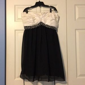 Black and White Formal Short Strapless Dress